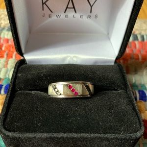 White gold, Ruby and Onyx Men's Ring